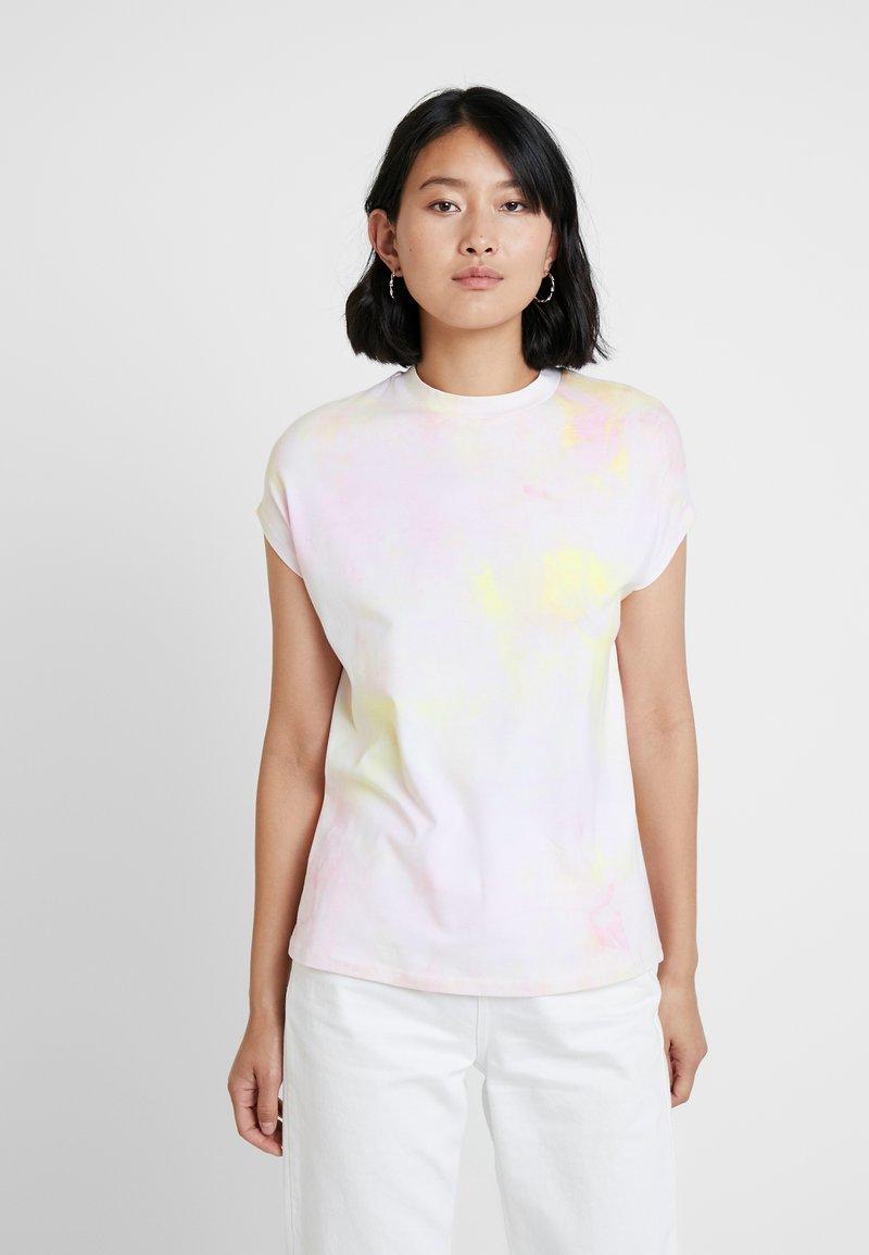 KIOMI - TIE DYE - Camiseta estampada - white/pink