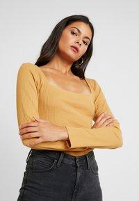 KIOMI - BODYSUIT - Bluzka z długim rękawem - light brown - 3