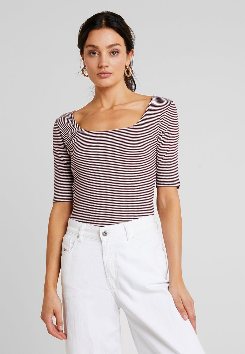 KIOMI - T-Shirt print - tawny port