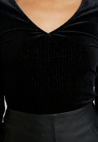 KIOMI - BODYSUIT - Camiseta de manga larga - black - 5