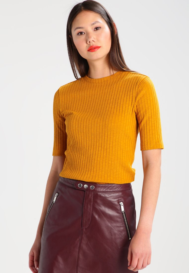 KIOMI - Camiseta estampada - yellow