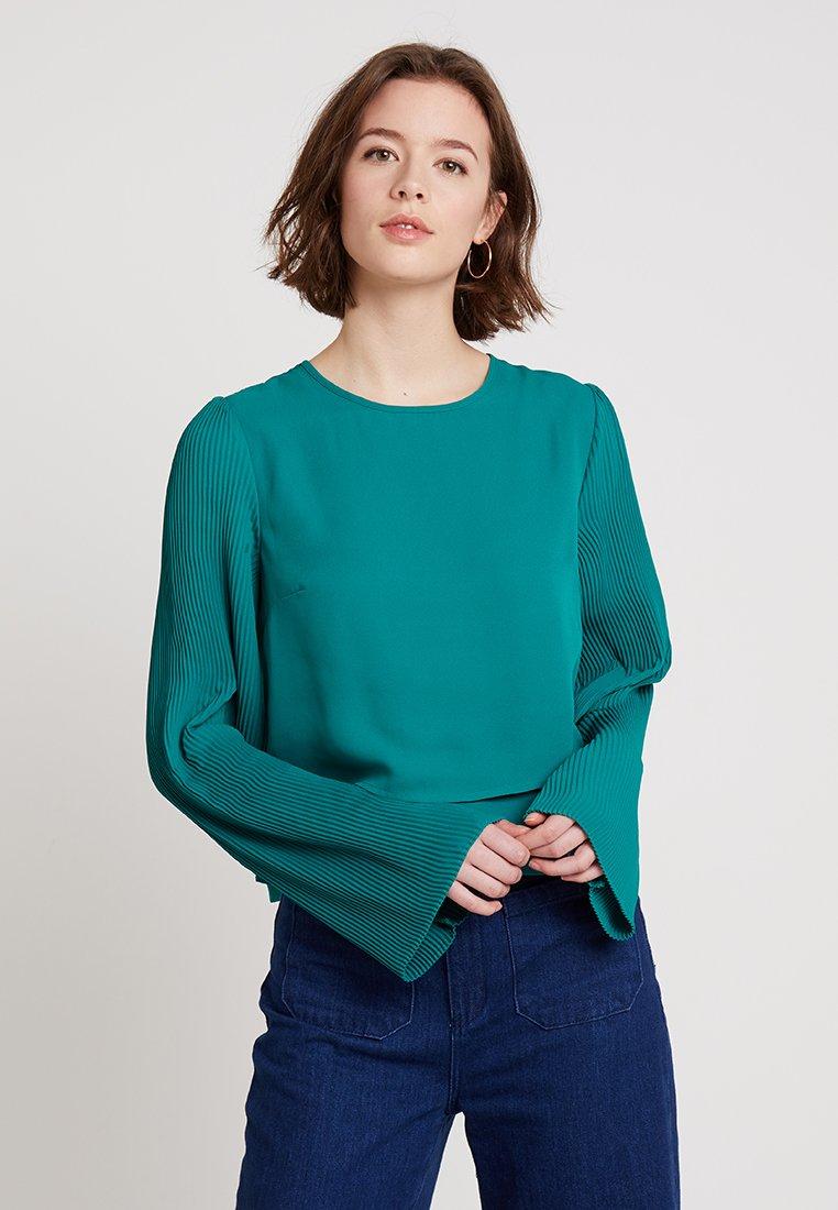 KIOMI - Blusa - green
