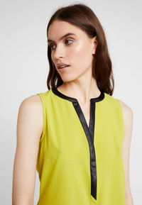KIOMI - Blouse - dark yellow - 3
