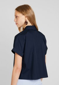 KIOMI - CROPPED BOXY  - Button-down blouse - sky captain - 3