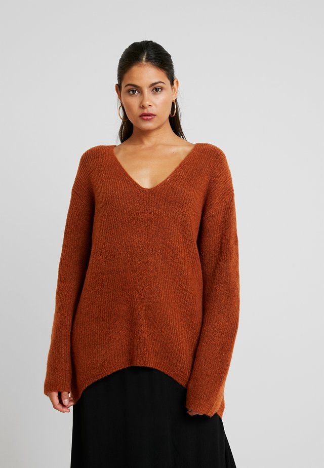 VNECK BOXY JUMPER - Pullover -  brown