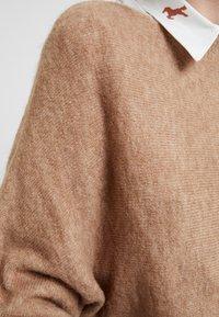 KIOMI - Stickad tröja - mottled beige - 5