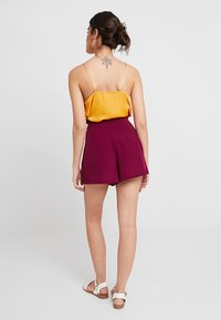 KIOMI - Shorts - red violet - 2