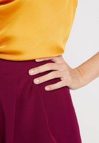 KIOMI - Shorts - red violet - 4