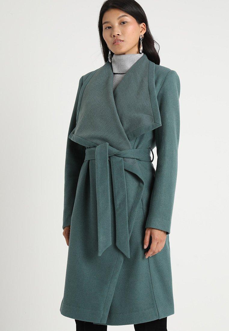 KIOMI - Mantel - green