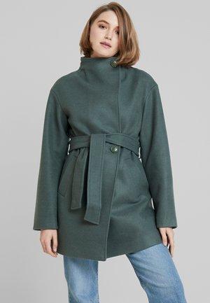 Krátký kabát - green