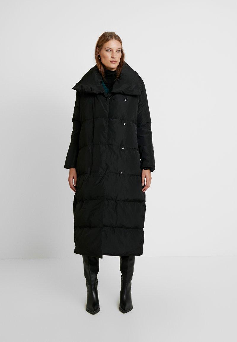 KIOMI - Płaszcz puchowy - black