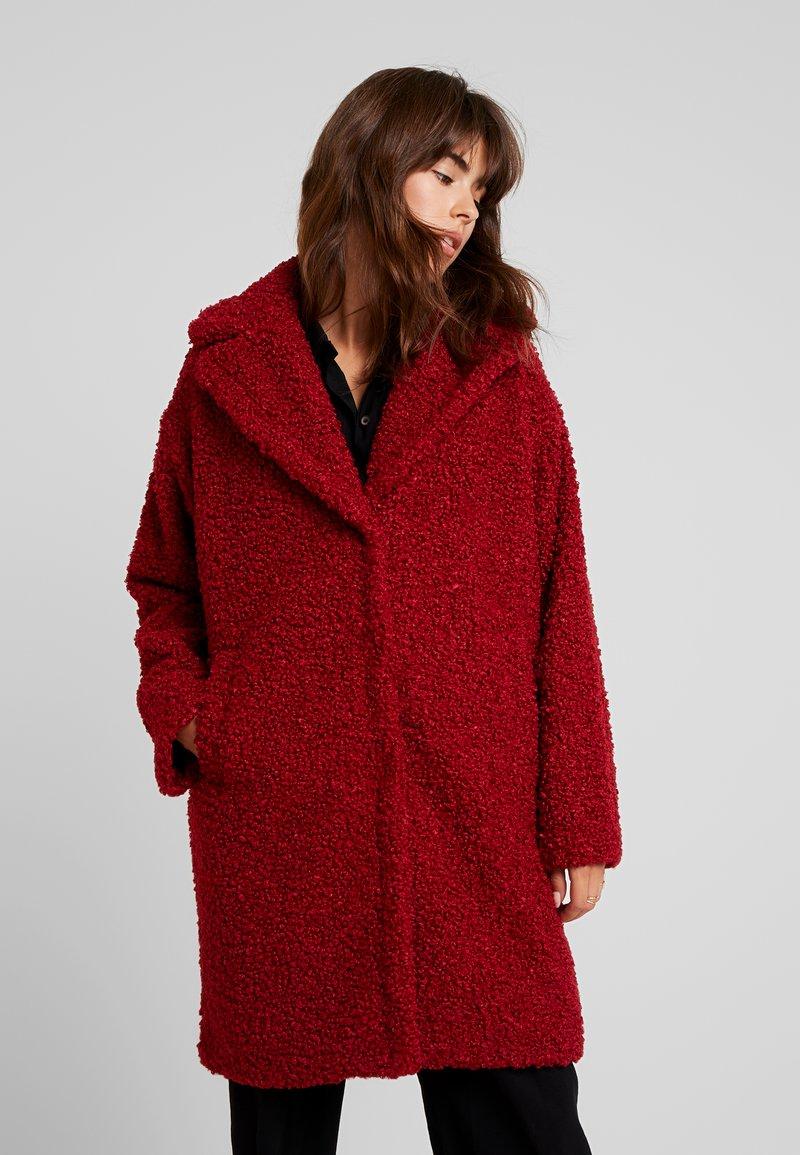 KIOMI - Zimní kabát - dark red