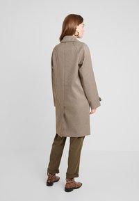 KIOMI - Mantel - brown/beige/black - 2