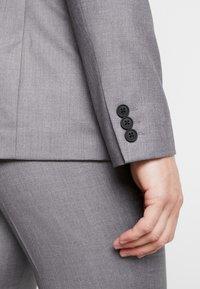 KIOMI - Anzug - light grey - 12