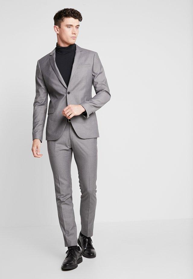 Garnitur - light grey