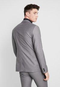 KIOMI - Anzug - light grey - 3