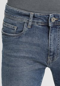 Pier One - Shorts di jeans - blue denim - 3