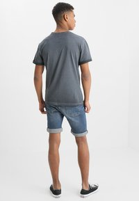 Pier One - Shorts di jeans - blue denim - 2
