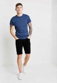 KIOMI - Shorts - black - 1