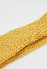 KIOMI - CASHMERE - Cache-oreilles - dark yellow - 4
