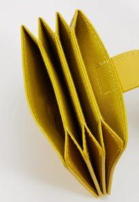 KIOMI - LEATHER - Peněženka - yellow - 5