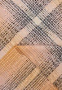 KIOMI - Halsduk - beige/pink - 2