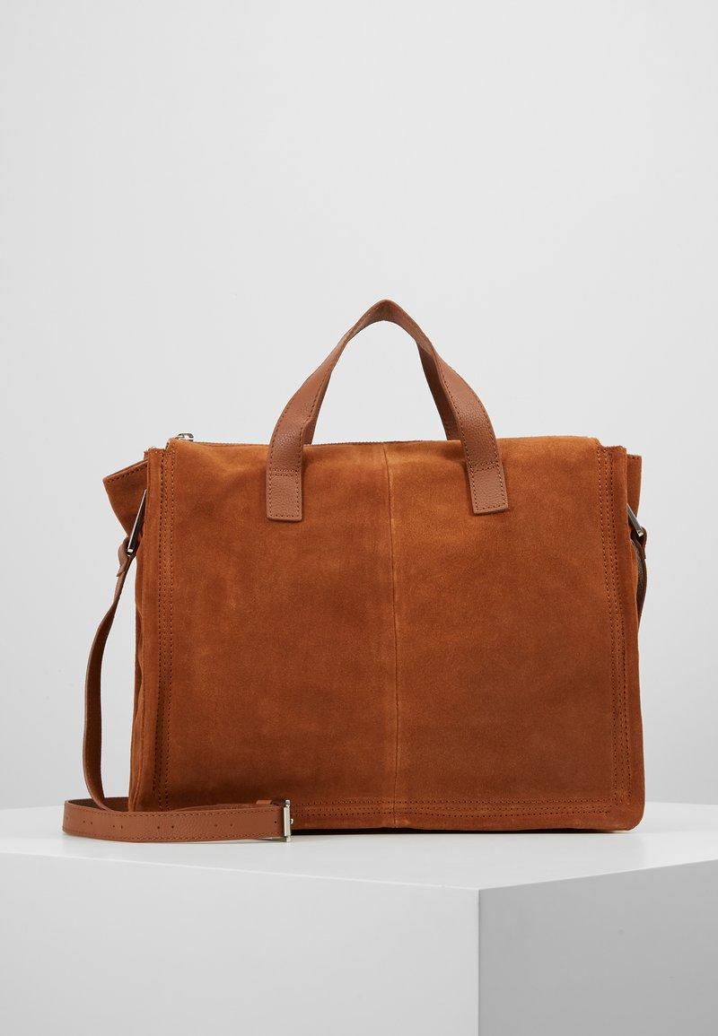 KIOMI - LEATHER - Notebooktasche - cognac