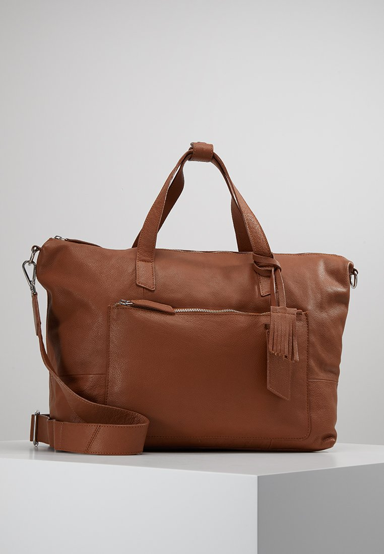 KIOMI - Weekend bag - cognac