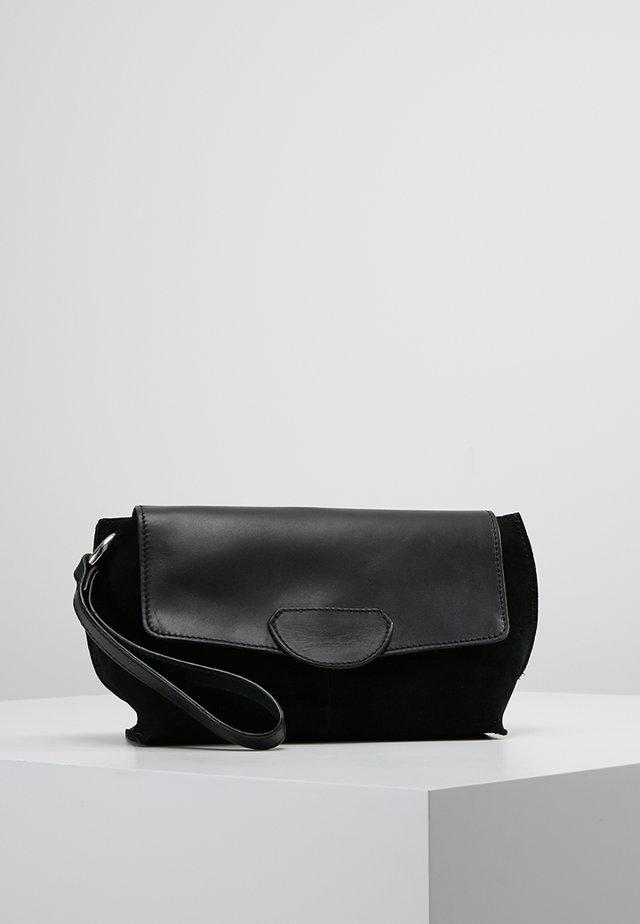Clutch - black