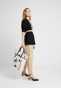 KIOMI - Shopping bag - offwhite/rose/black - 1