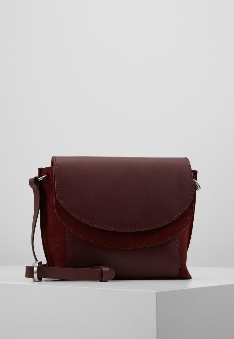 KIOMI - LEATHER - Across body bag - burgundy