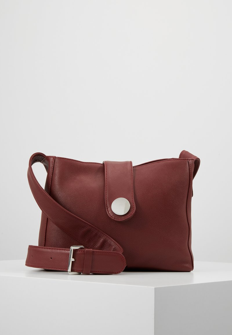 KIOMI - LEATHER - Schoudertas - ruby red