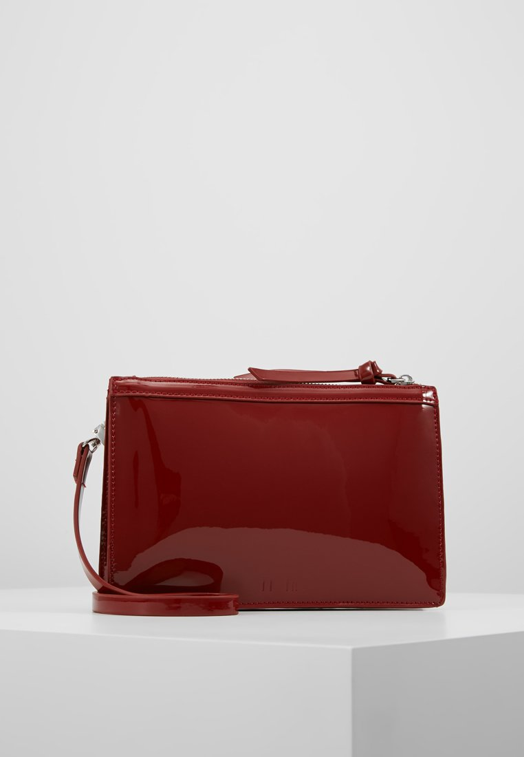 KIOMI - Clutches - ruby red