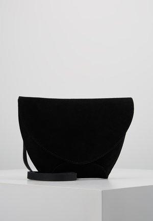 LEATHER - Umhängetasche - black