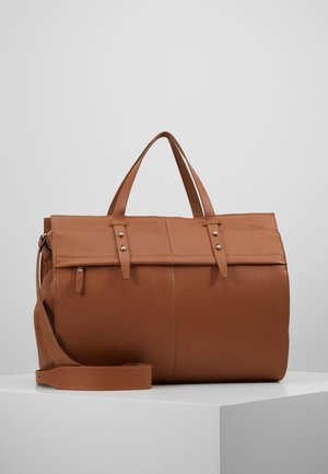 LEATHER - Weekendbag - cognac