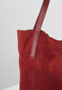 KIOMI - LEATHER - Shopping Bag - ruby red - 6