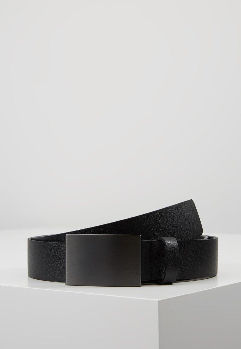KIOMI - Skärp - black