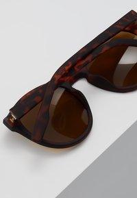 KIOMI - Okulary przeciwsłoneczne - brown - 4