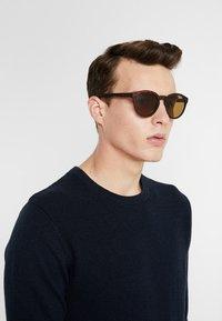 KIOMI - Okulary przeciwsłoneczne - brown - 1