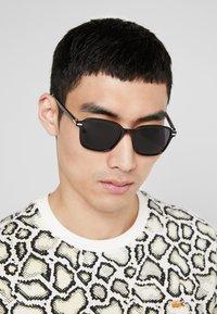 KIOMI - Sonnenbrille - black - 1