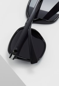KIOMI - Sonnenbrille - black - 4