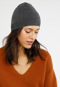 KIOMI - Gorro - dark gray