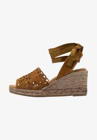 Kanna - LAURA - Platform sandals - cognac - 1