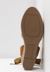 Kanna - LAURA - Platform sandals - cognac - 6
