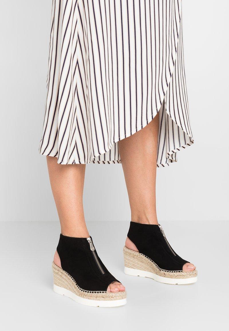 Kanna - MOIRA - Platform sandals - black