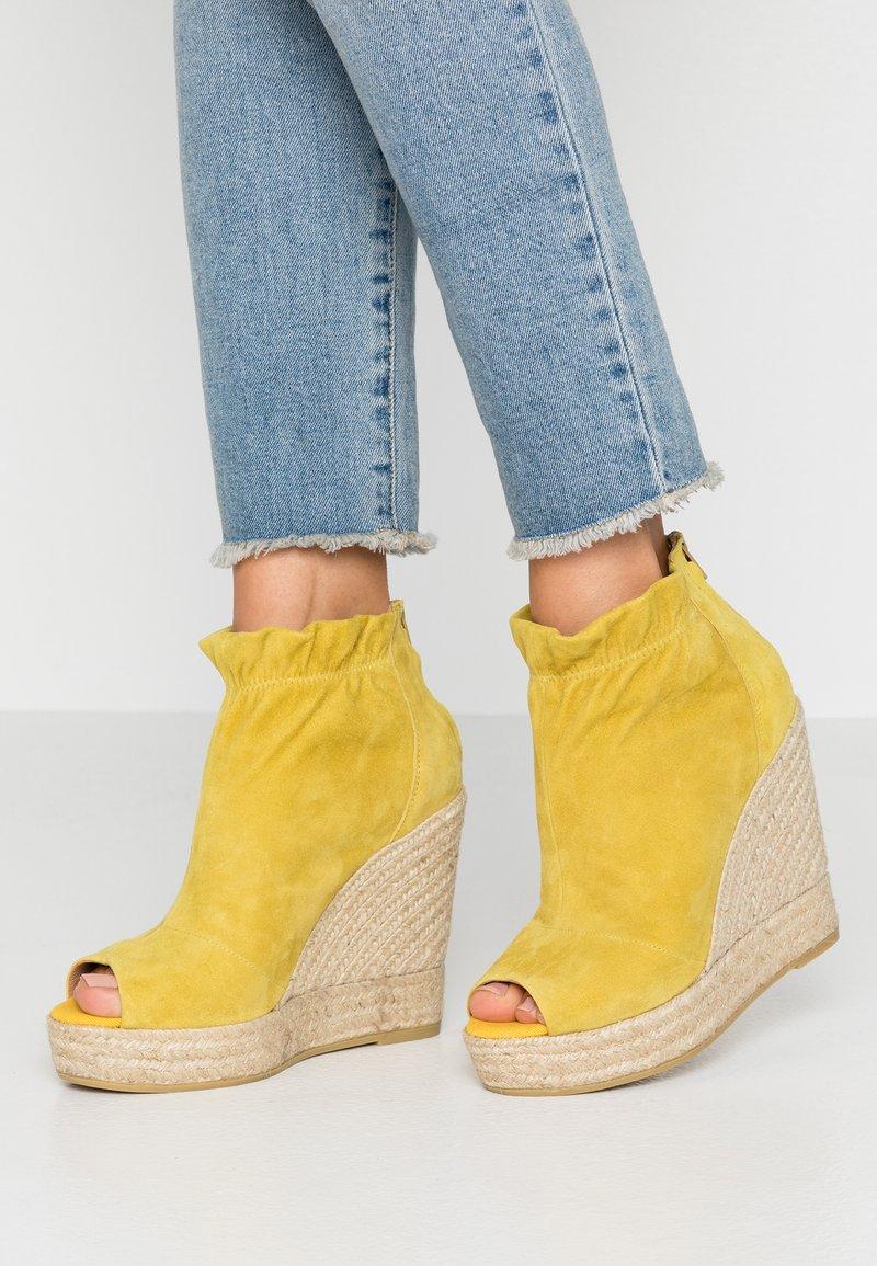 Kanna - SOFIA - High Heel Stiefelette - amarillo