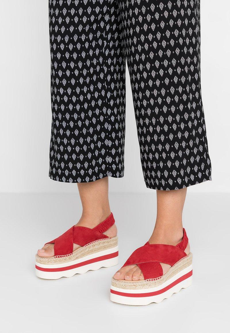 Kanna - ANDREA - Platform sandals - rojo