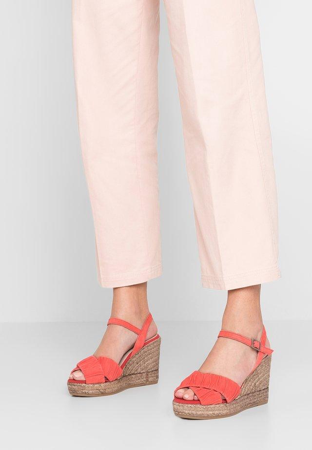 INES - High Heel Sandalette - cereza