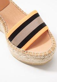Kanna - CAPRI - Korkeakorkoiset sandaalit - naranja fluor - 2