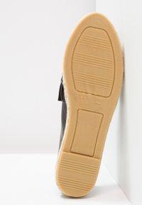 Kanna - DORA - Loafers - natur - 5